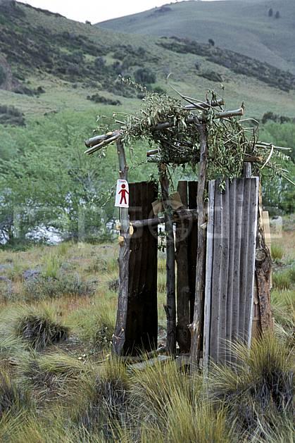 ee3189-17LE : Patagonie.  Amérique du sud, Amérique Latine, Amérique, toilette, C02, C01 environnement, habitation, moyenne montagne, voyage aventure (Argentine).