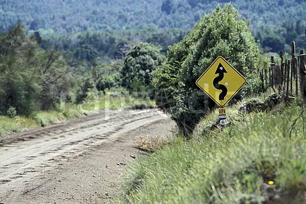 ee3195-06LE : Patagonie.  Amérique du sud, Amérique Latine, Amérique, signalisation, route, C02, C01 environnement, transport, voyage aventure (Argentine).