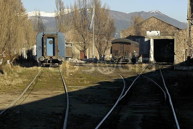 ef054556LE : Gare ferroviaire, Bariloche, Patagonie.  Amérique du sud, Amérique Latine, Amérique, rail, train, gare, C02, C01 environnement, transport, voyage aventure (Argentine).