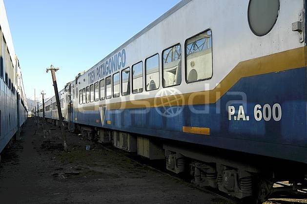 ef054558LE : Gare ferroviaire, Bariloche, Patagonie.  Amérique du sud, Amérique Latine, Amérique, gare, train, C02, C01 environnement, transport, voyage aventure (Argentine).