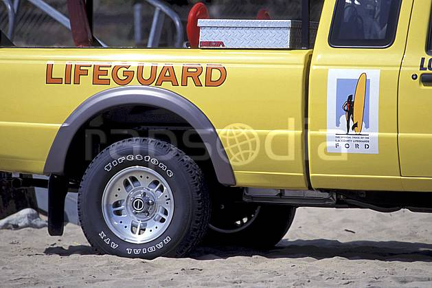ef0641-37LE : Lifeguard à Malibu beach, Los Angeles, Californie.  Amérique du nord, voiture, C02, C01 transport, voyage aventure (Usa).