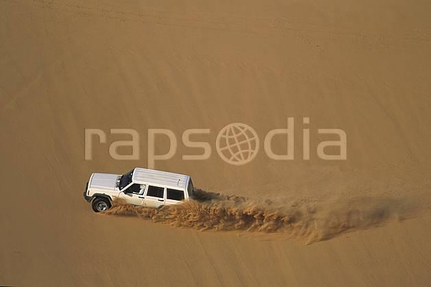 ef2832-11LE : 4x4, Désert Arabie Saoudite. 4x4 Afrique, Moyen Orient, sport, loisir, action, sport mécanique, voiture, dune, voiture, C02, C01 désert, transport, voyage aventure (Arabie-Saoudite).