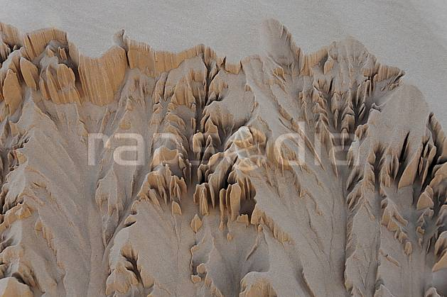fa063675LE : Erosion d'une dune de sable.  Afrique, Afrique du nord, dune, C02, C01 désert, textures et fonds, voyage aventure (Tunisie).