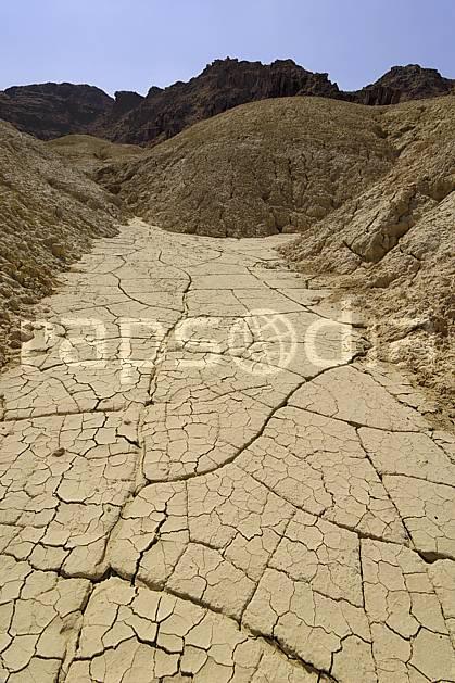 fa070531LE : Sécheresse dans la réserve naturelle de Mujib, près de la Mer Morte.  Moyen Orient, pierre, sécheresse, géologie, C02 désert, gros plan, paysage, textures et fonds (Jordanie).