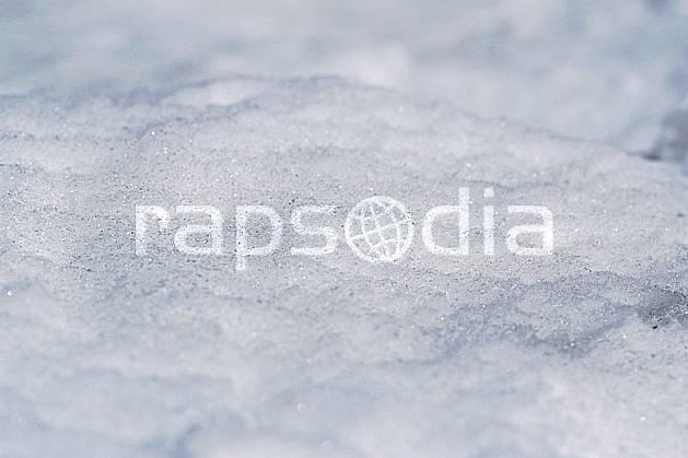 fa2966-22LE : Neige.  Europe, CEE, neige croûtée, C02, C01 textures et fonds, gros plan (France).