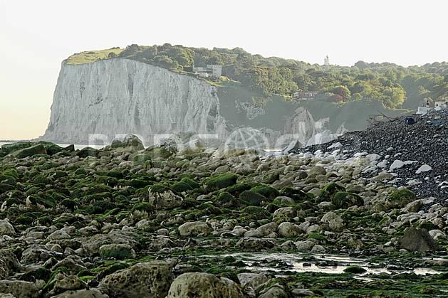 ha040026LE : Falaises de craie de Douvres.  Europe, CEE, falaise, craie, littoral, plage, C02, C01 mer, paysage (Royaume-Uni).