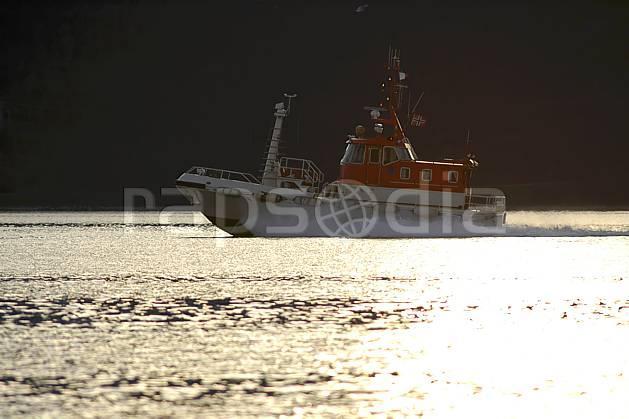hf054255LE : Bateau de sauvetage maritime.  Europe, CEE, sécurité, C02, C01 environnement, mer, transport (France Norvège).