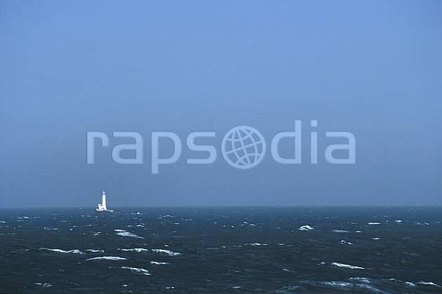 hf3172-05LE : Paysage d'Irlande, Phare.  Europe, CEE, vague, C02, C01 environnement, mer, transport, voyage aventure (Irlande).