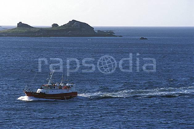 hf3173-12LE : Paysage d'Irlande.  Europe, CEE, bateau, C02, C01 environnement, mer, paysage, transport, voyage aventure (Irlande).