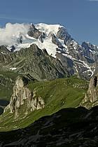 Combe de la Neuva et massif du Mont Blanc, Beaufortain, Savoie, ref aa041228GE