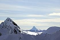 Massif Andin et Cerro Puntiagudo, Patagonie, ref aa054823GE