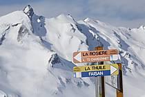 Signalisation sur les pistes, La Rosière, Espace San Bernardo, Savoie, Alpes, ref ae060668LE
