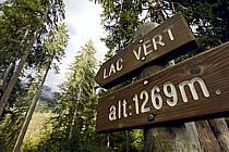 Panneaux d'indication, Plateau d'Assy, Lac Vert, Haute-Savoie, ref ae063428GE