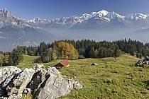 Mayères, massif des Aravis, vue sur le massif du Mont blanc - Mayeres, Aravis massif, view of the Mont Blanc massif, ref ae072143LE