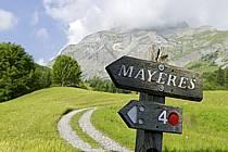 Panneaux de randonnée VTT, Mayères, massif des Aravis - Mountain biking signs, Mayeres, Aravis massif, ref ae081268LE