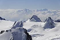 Depuis l'Aiguille du Midi, Pointe Helbronner, le Grand Flambeau, aiguille de Toule, Massif du Mont Blanc, Haute-Savoie, ref ba061188GE