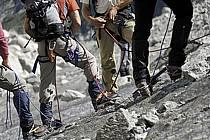 Marche sur glacier, Mer de Glace, Chamonix, Haute-Savoie, ref bb062792GE
