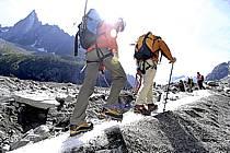 Marche sur glacier, Mer de Glace, Chamonix, Haute-Savoie, ref bb062812GE