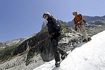 Marche sur glacier, Mer de Glace, Chamonix, Haute-Savoie, ref bb062850GE