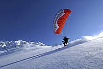 Speed flying (speed riding), Les Arcs, Savoie, Alpes, ref cc060090GE