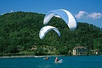 Paragliding acrobatic, Annecy, Haute-Savoie, ref cc2480-15GE