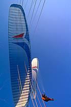 Paragliding acrobatic, Annecy, Haute-Savoie, ref cc2501-20GE