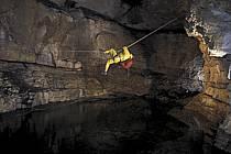 Caving, Grotte de La Diau, Parmelan, Haute-Savoie, ref ce0707-04GE