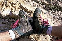 Chaussure de randonnée usagées, ref cg0344-30LE