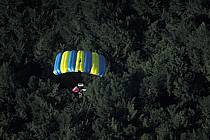 Base-jumping, ref cl2881-37GE