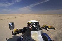 Désert du Sud Tunisien, au sud de Douz, Quad dans les dunes, ref cq3085-36GE