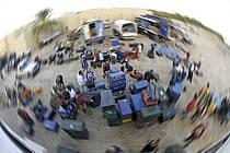 Douz, Raid dans le désert du Sud Tunisien, Préparation du matériel et des malles, ref eb063780GE