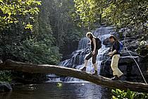 Cascades de Dankaran, dans le massif de Molota - Dankaran waterfalls, in the Molota massif, ref eb072541GE