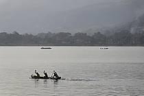 Pirogues sur le lac de Samaya - Pirogues on the lake of Samaya, ref eb072762GE
