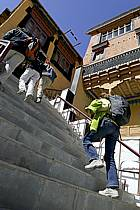 Escalier au monastère de Thiksey (Thiksey gompa), Ladakh - Staircase in the Thiksey Monastery (Thiksey gompa), Ladakh, ref eb081999GE