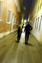 Dans les rues de Venise - In the streets of Venice, ref eb082492GE
