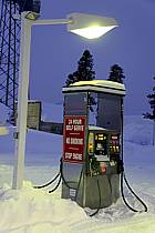 Pompe à essence sous la neige, West Yellowstone, Montana - Fuel Pump under the snow, West Yellowstone, Montana, ref ee080912LE