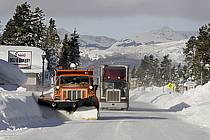 Déneigement (chasse-neige) West Yellowstone, Montana - Snow clearance (snowplough) West Yellowstone, Montana, ref ee080984GE
