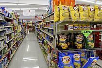 Rayons de supermarché - Supermarket shelves, ref ee080998GE