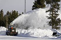 Déneigement (fraiseuse) West Yellowstone, Montana - snow clearance (blower) West Yellowstone, Montana, ref ee081006LE