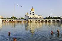 Gurdwara Bangla Sahib, temple Sikh, New Delhi - Gurdwara Bangla Sahib, Sikh temple, New Delhi, ref ee082125GE