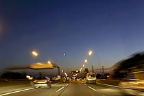 Conduite sur autoroute, de nuit - Night driving on highway, ref ef072202LE