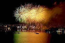La fête du Lac à Annecy / Fireworks, Haute-Savoie, Alpes, ref fc041515GE