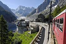 Train du Montenvers, Mer de Glace, Chamonix, Haute-Savoie, ref fc062749LE