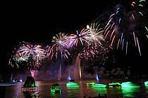 Feu d'artifice de la fête du lac d'Annecy, Haute-Savoie, ref fc063289LE