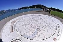 Table d'orientation sur le champ de Mars, Lac d'Annecy, Haute-Savoie, ref fc2054-15LE
