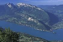 Lac d'Annecy, le Roc des Boeufs, Haute-Savoie, ref fc2549-07LE